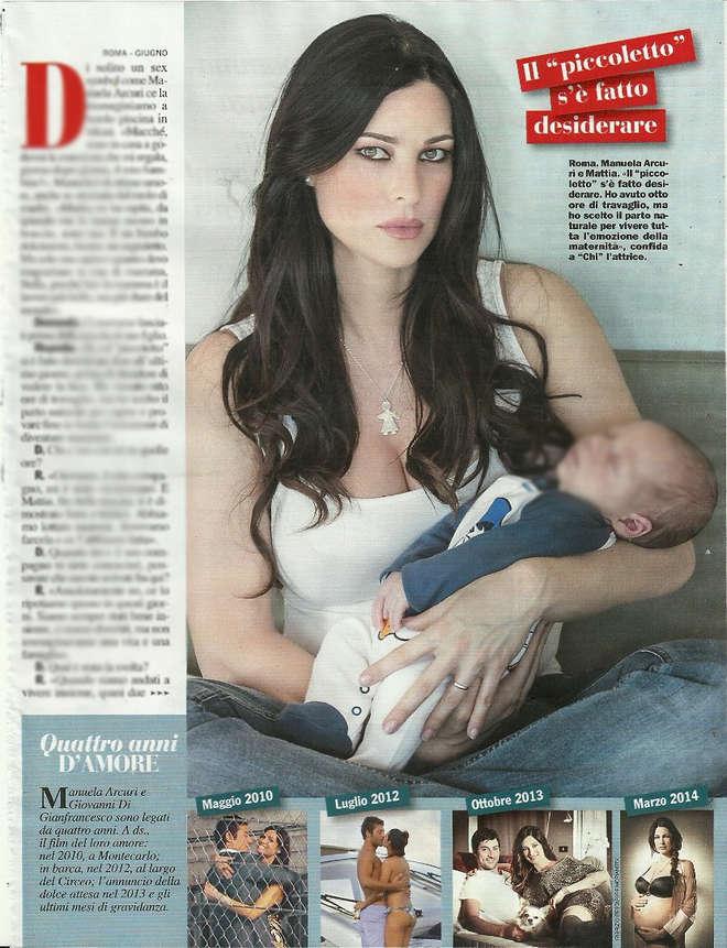 """Manuela Arcuri mamma, le prima foto con Mattia: """"Sposo Giovanni a primavera sulla spiaggia"""""""