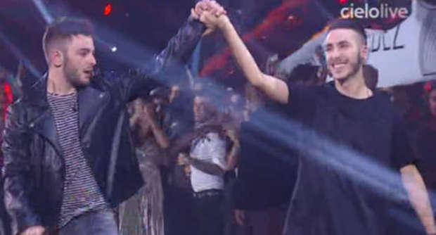 """X Factor, vince Lorenzo, Madh secondo. ?Il pubblico fischia Morgan e lui: """"Str..."""""""
